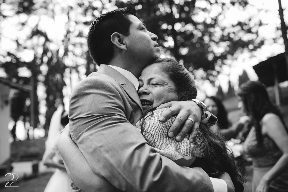 Emotional Wedding Photo | Cuenca Ecuador Wedding Photo | Destination Wedding in Cuenca Ecuador | Quito Wedding Photographer