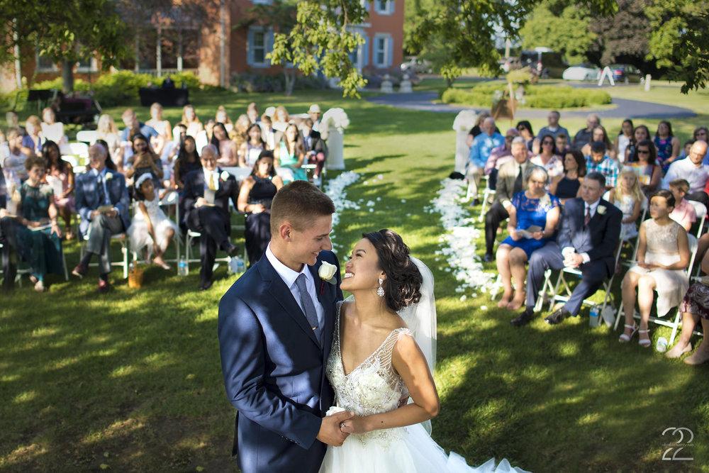 The Willow Tree Wedding | Dayton Wedding Photographer | Wedding Photographers in Dayton | Willow Tree Tipp City | Outdoor Wedding Ceremony | Columbus Wedding Photographer | Wedding Photographers in Cincinnati