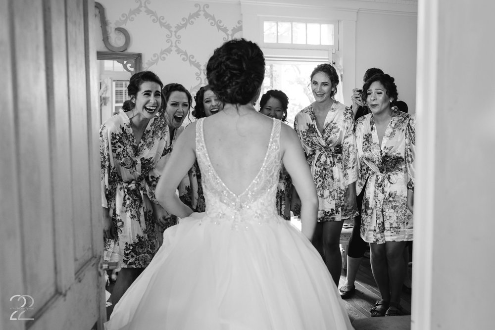 The Willow Tree Wedding | Dayton Wedding Photographers | Wedding Photographers in Columbus | Columbus Wedding Photographer | Dayton Wedding Venues | Bridesmaid First Look
