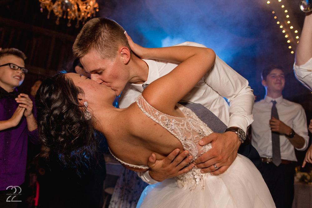 The Willow Tree Wedding | Dayton Wedding Photographer | Wedding Photographers in Dayton | Willow Tree Weddings | Willow Tree Tipp City | Dayton Wedding Venues | Columbus Wedding Photographer