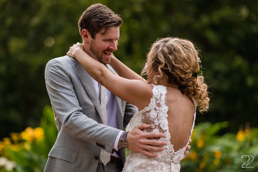 Schiller Park Wedding | First Look Wedding Photo | Columbus Wedding Photographer