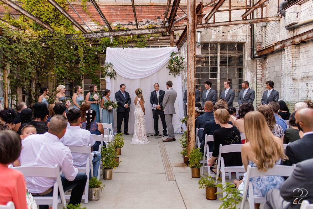 Columbus Wedding Photographer | Strongwater Columbus Wedding | Columbus Wedding Photos