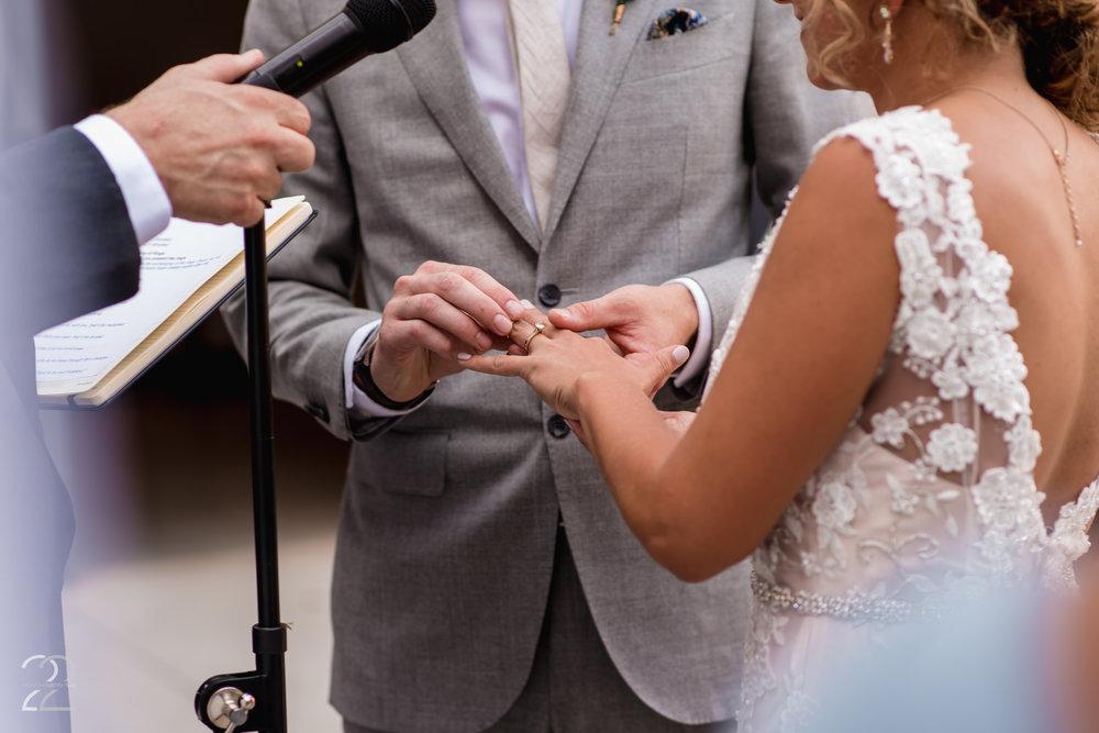 Strongwater Columbus Wedding | Columbus Wedding Photographer | Wedding Photos in Columbus | Wedding Venues in Columbus