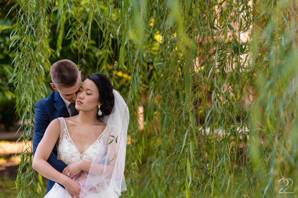 The Willow Tree Wedding | Dayton Wedding Photographer | Wedding Photographers in Dayton | Wedding Venues in Dayton | Columbus Wedding Photographers | Willow Tree Tipp City