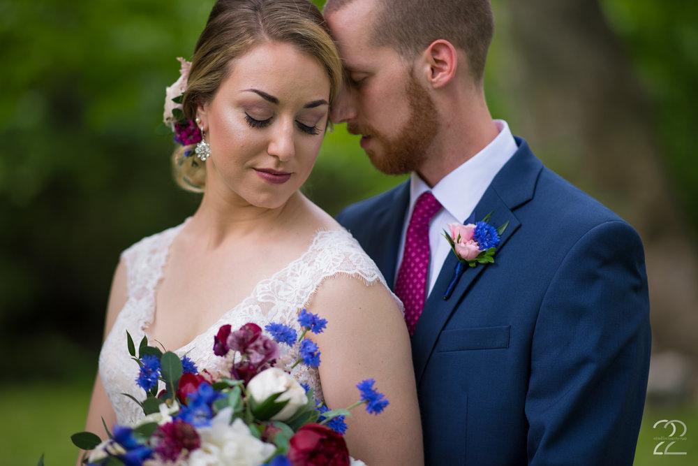 Sherwood Florist Dayton | Dayton Florists | Canopy Creek Farm Miamisburg | Canopy Creek Wedding Photos | Dayton Wedding Photographer | Wedding Photographers in Columbus