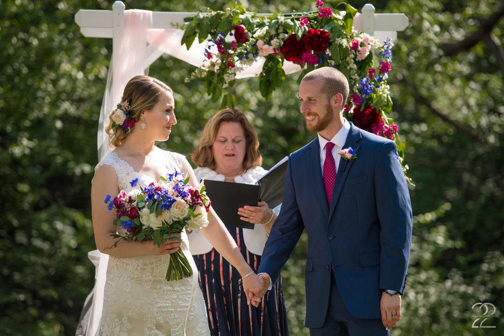 Wedding Photographers in Dayton | Canopy Creek Farm Weddings | Canopy Creek Wedding Photos | Ohio Barn Weddings | Columbus Wedding Photographers | Sherwood Florist Dayton
