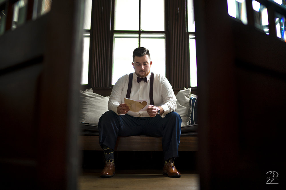 Warrenwood Manor Wedding Photo | Lexington Wedding Photographer | Wedding Photographers in Louisville | Dayton Wedding Photographer | Columbus Wedding Photography | Groom Getting Ready