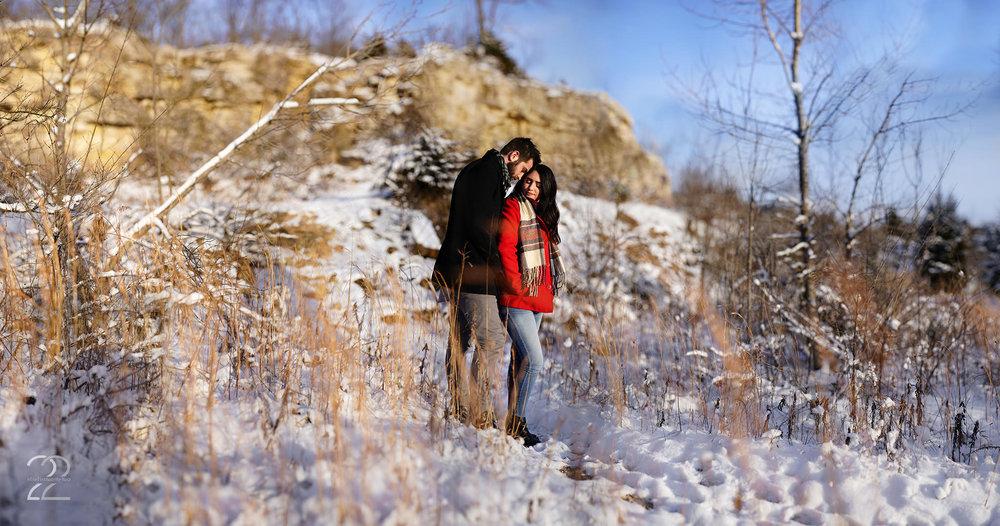 Dayton Engagement Photos | Winter Engagement Photos | Snowy Engagement | Dayton Wedding Photographers | Traveling Wedding Photographers