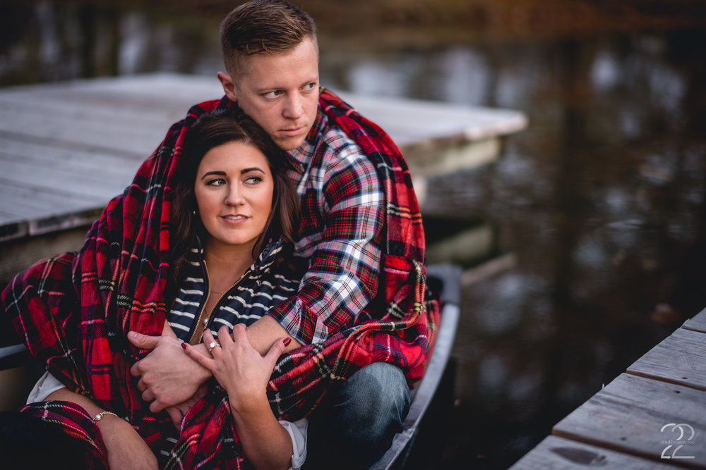 Back to those docks at Eastwood MetroPark! Mike and Ashlea brought their own canoe for their engagement photos, which was super rad! I love outdoor excursions, and when couples want to incorporate their own pieces into their engagement photos, that's awesome! After paddling around the pond and capturing photos, these two docked and opted for a snuggle. Eastwood MetroPark offers such an array of options, and when you add in your own ideas, it's the perfect place for an engagement session in Dayton!
