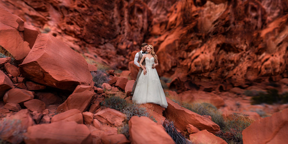 Valley of Fire Elopements - Destination Wedding Photographer - Nevada Wedding Photographer - Elopement Photographer - Las Vagas Photogrpaher - Studio 22 Photography