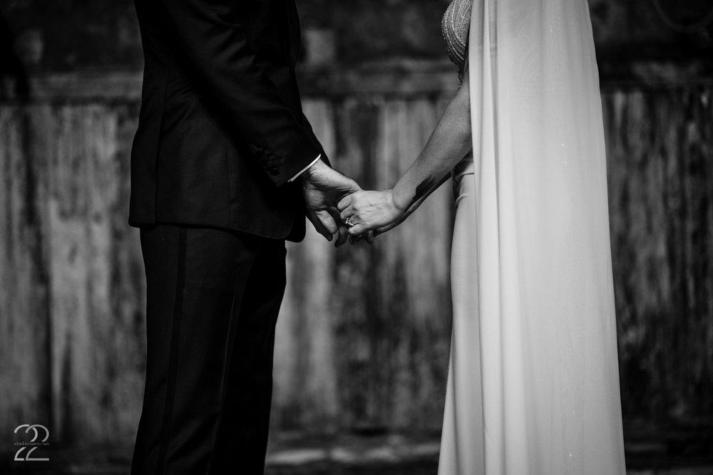 Unique First Looks at Weddings - Studio 22