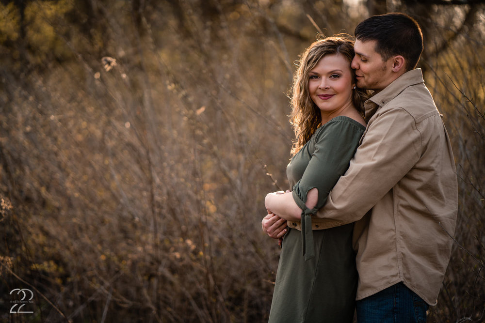 Early spring is a beautiful time to get engagement photos taken. There is still that crispness keep you cuddling close, the sun is low and quite pretty and it is warm enough to not have to bundle up too much. Jesse and Molly were outstanding subjects for their engagement session with Studio 22 Photography in Dayton, Ohio.