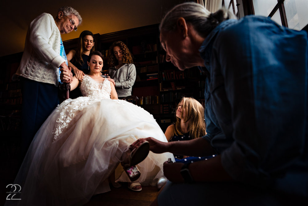 Megan Allen at Studio 22 wants to be there for all the big and small moments of your day. She knows how much every second of your big day means to you and so she wants to ensure you have those moments frozen in time forever.