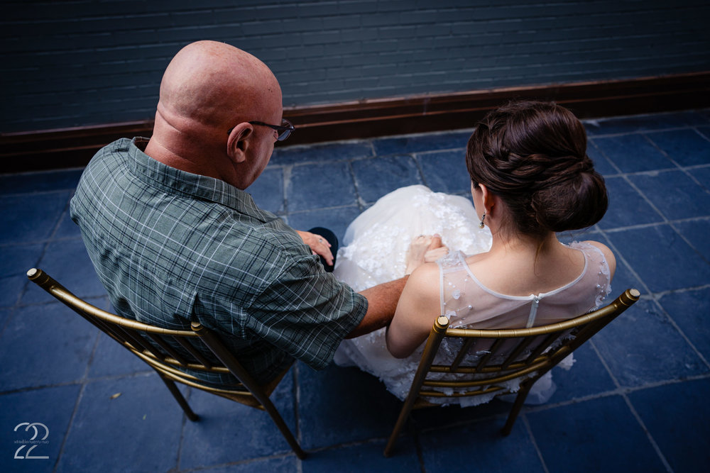 You wedding day is planned to what seems to be the second, but if we can remind you of one thing it is how important it is to take those extra couple minutes. That can be a minute to yourself to reflect and breathe, a minute with your new spouse (HIGHLY recommended) or a few minutes with a friend or family member that mean the world to you. Those are the things that will stay in your mind for years to come once the memories of specifically what time you walked into your reception hall, or what song was playing when you cut the cake. Megan at Studio 22 photography will make sure that those memories you are creating are made into images to look back upon.