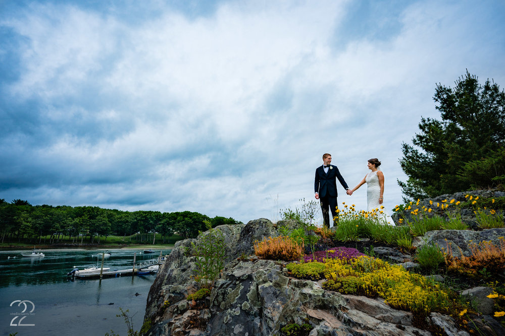 There is no shortage of exquisite locations to make formal wedding photos in Maine.