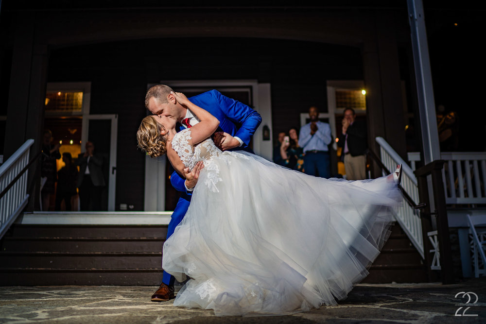 When choosing wedding colours it is always spectacular when you pick colours that pop. This makes photos more lively and fun! Rocky and Cassie's blue and red colour scheme was perfect against the subtle and classy tones of the Krippendorf Lodge.