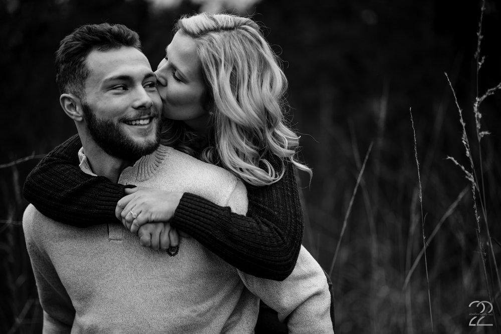Engagement Photos in Dayton - Wedding Photographers in Columbus - Cincinnati Wedding Photographers