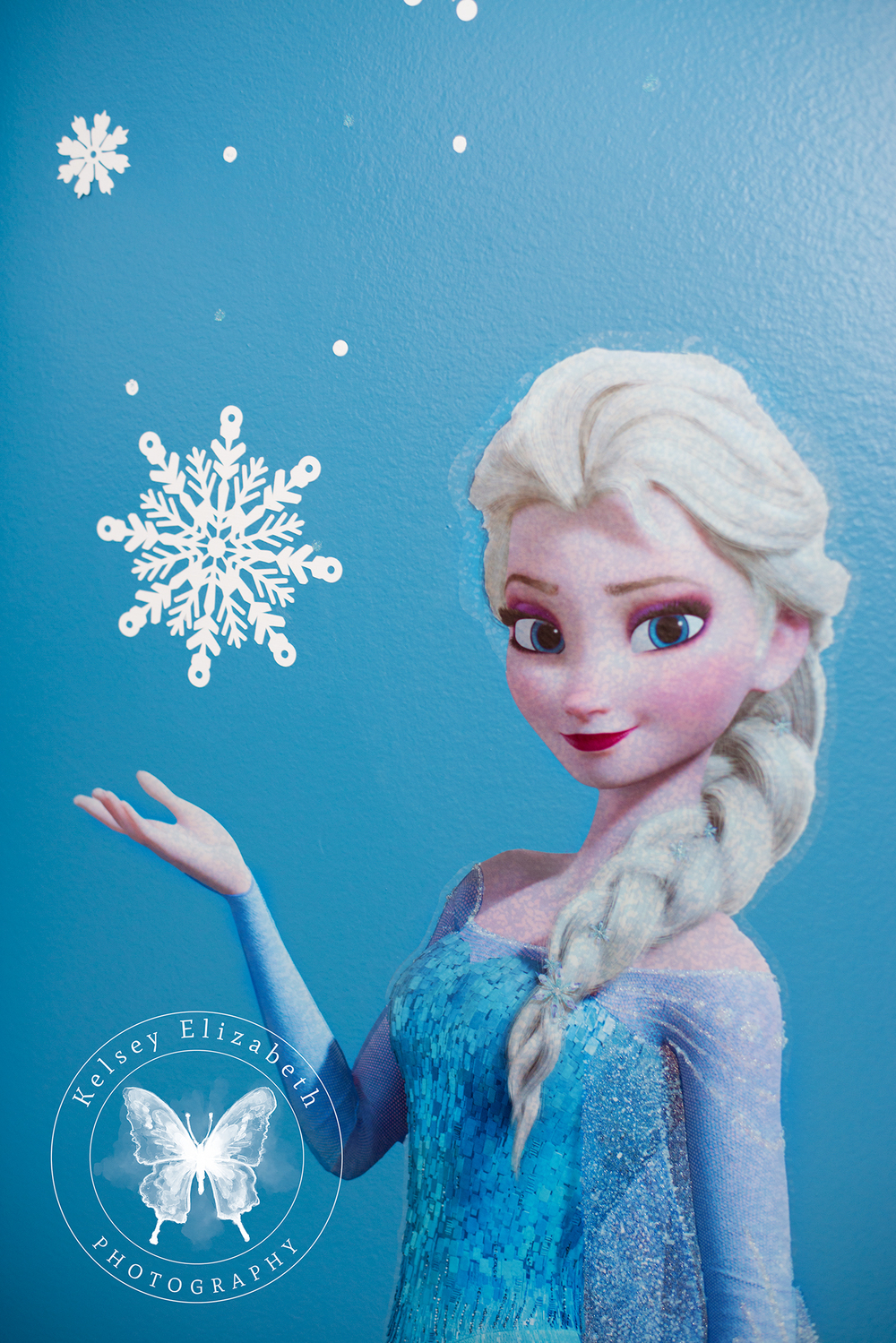 Frozen Bedroom; Disney Bedroom; Children's Bedroom; Elsa Bedroom; Winter Snowflakes