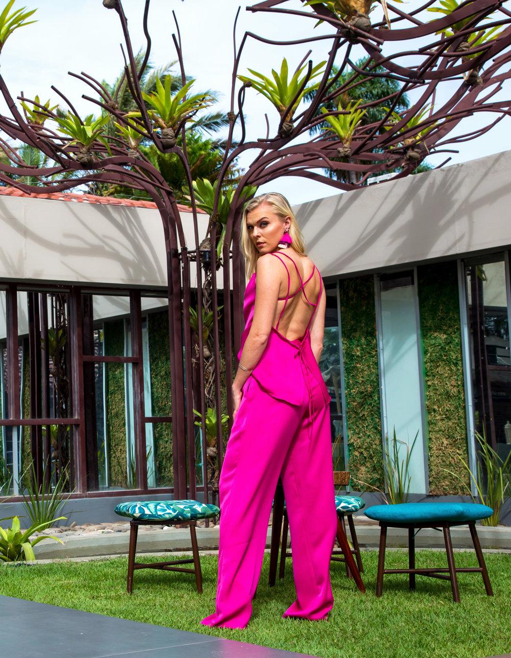 RAGNHILD_pink.outfit_lighter.jpg