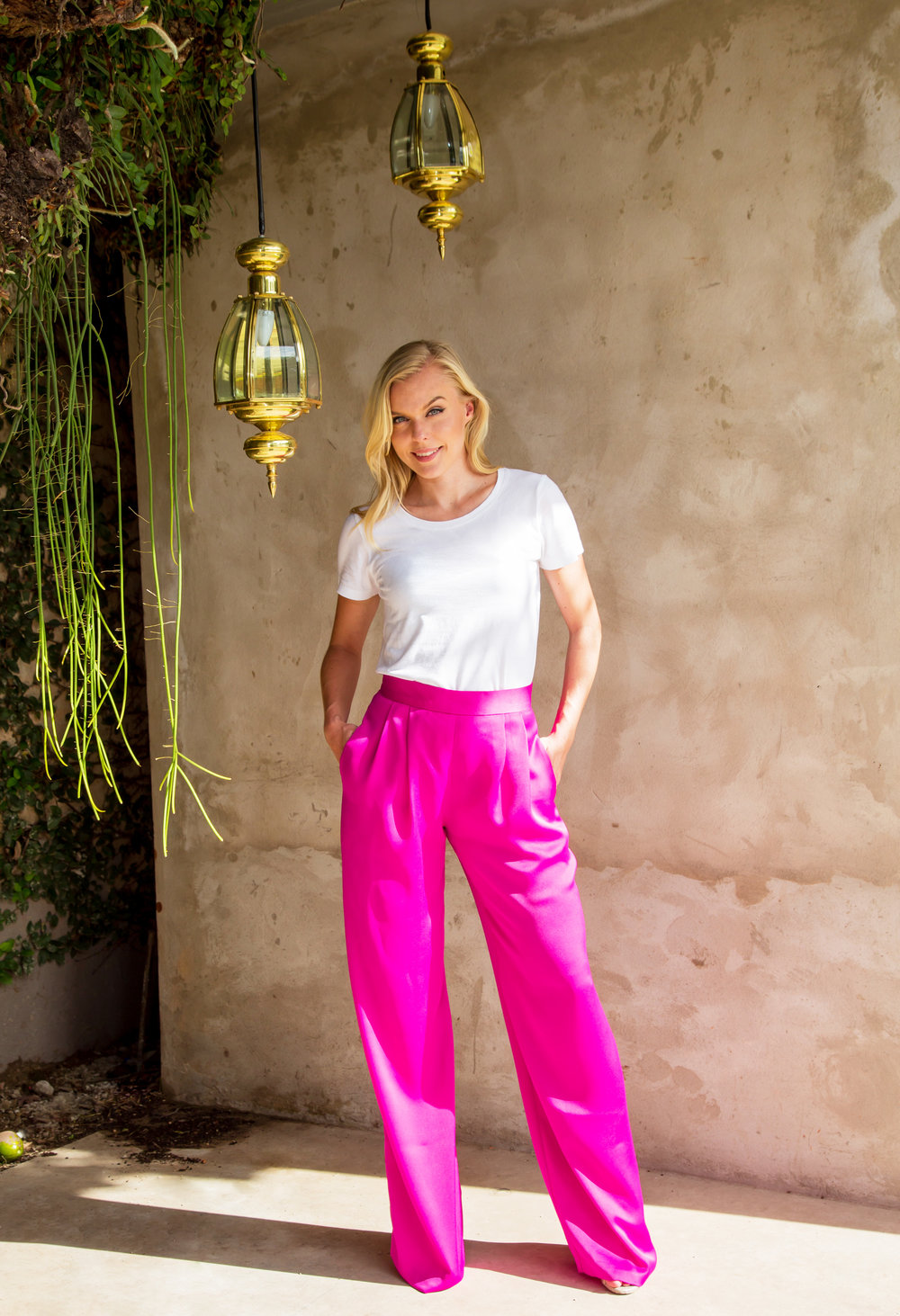 JENNY_RAGNHIL_Pinkpants+tshirt.jpg