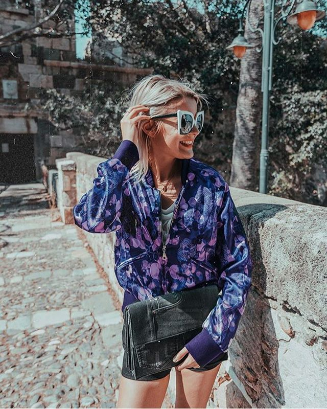 • Repost • Belgium blogger @yentlkeuppens totally rocking her Gunilla bomber out and about in Spain 🌸 lover her style 💖 (Only a few left in stock, shop now through link in bio)! #fashion #love #style #bebold #RAGNHILD