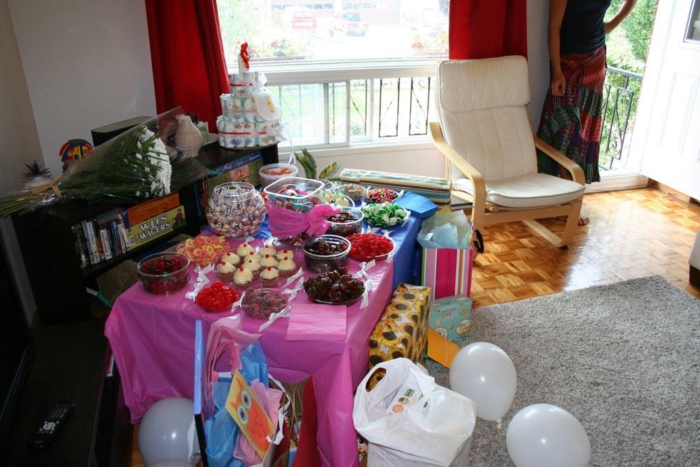 Der Babyshower-Tisch