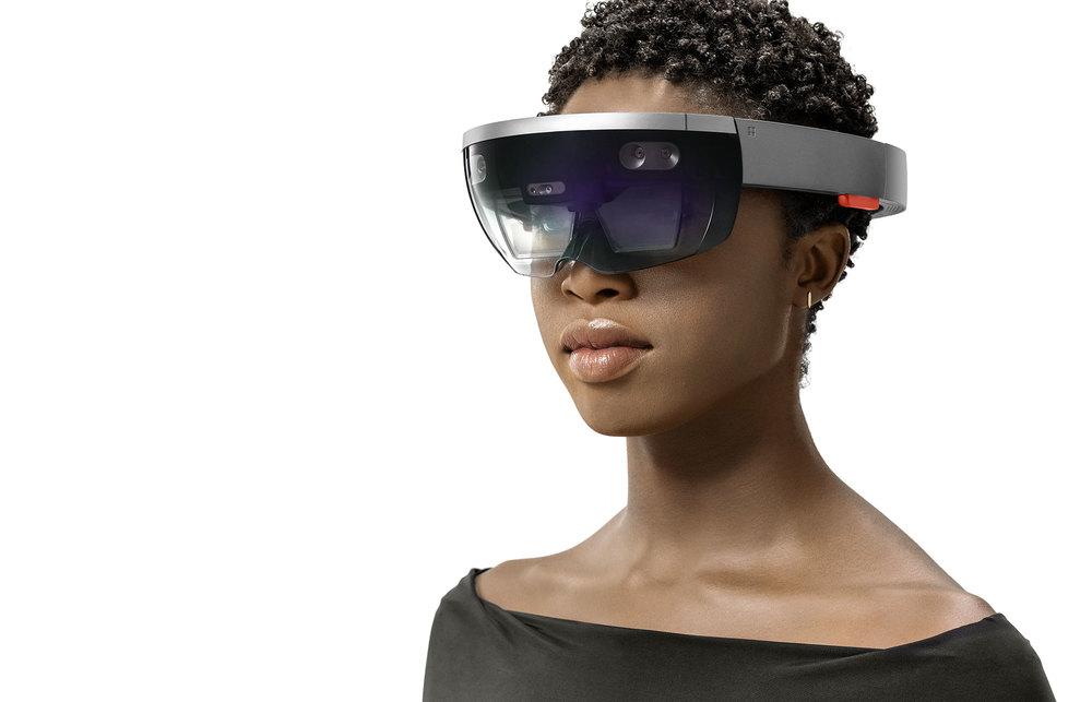 HoloLens1-col-Portrait2.jpg