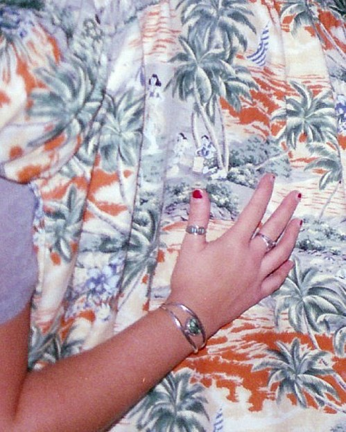 Tropical prints. Always. . . . . . . #canonfilm #35mmfilmphotography #vscodaily  #fotografia #art #contemporaryart #goldenmexican #mirellamartinez #noicemag #subjectivelyobjective #dazedandexposed #paperjournalmag  #rentalmag #justgoshoot #verybusymag #broadmag #tropicalprint #spashandgrab #shootfilmstaybroke #seededitions