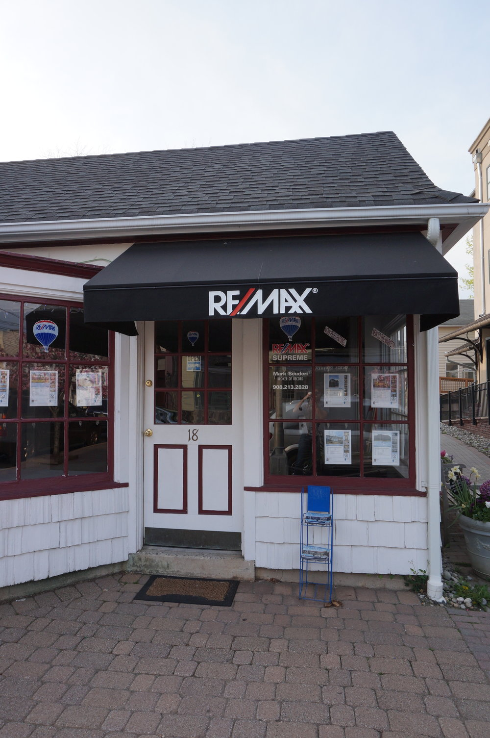 remax_SUPREME.jpg