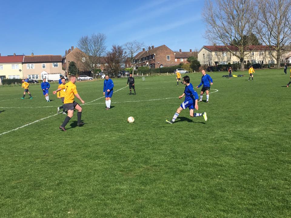 Midfield battle between AFC Kingfisher and Mottingham Forest in the Leader Trophy. Photo (C) Terri Lee Roper.