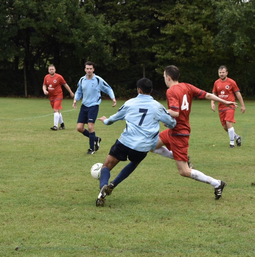 Action from FC Forza Greenwich v Woolwich Spartans courtesy of @touchlinep whose copyright remains.