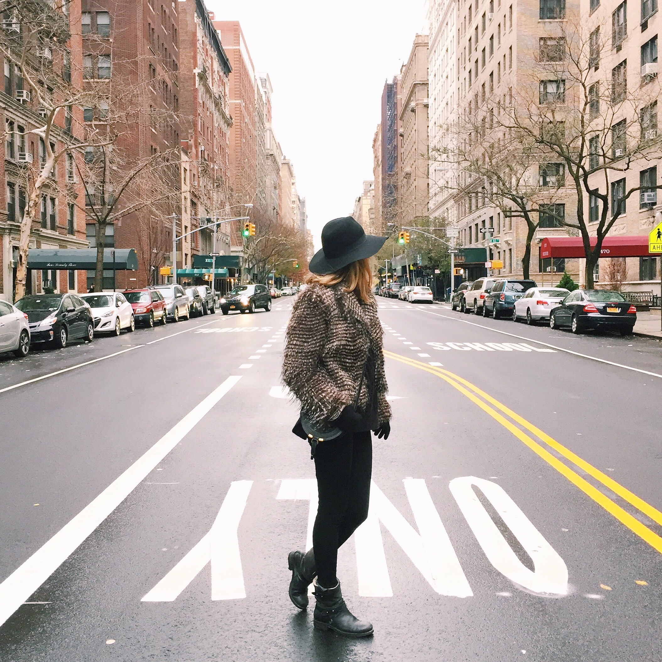 Thanksgiving day means one can actually pose in the middle of the road - Usually doesn't happen in NYC :)