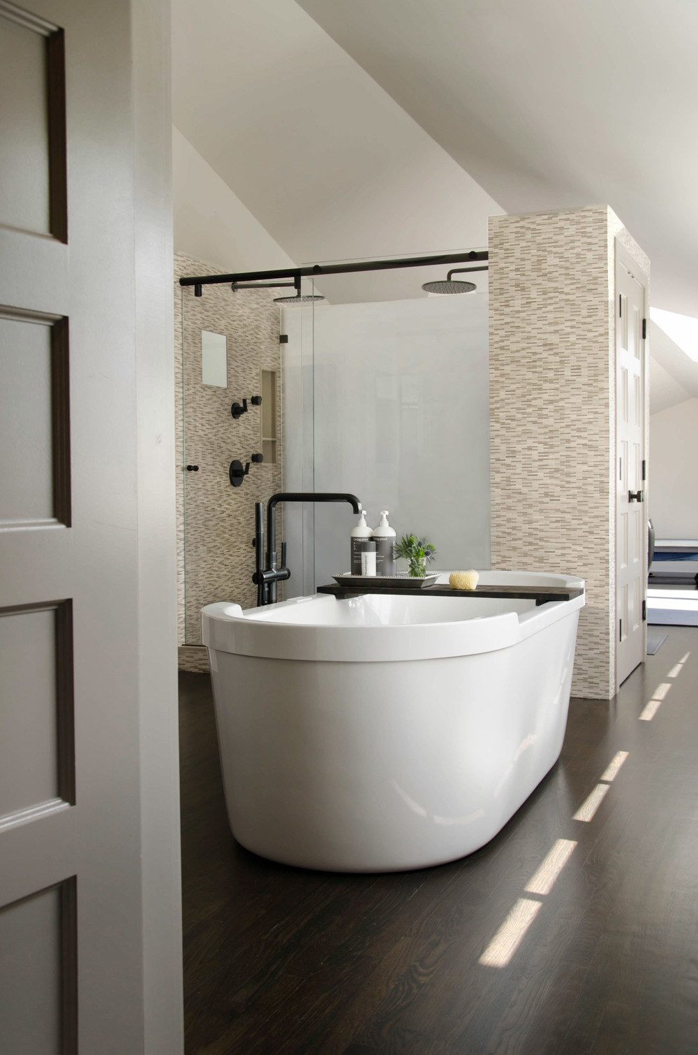 MasterBathroom-GrayscaleDesign.jpg