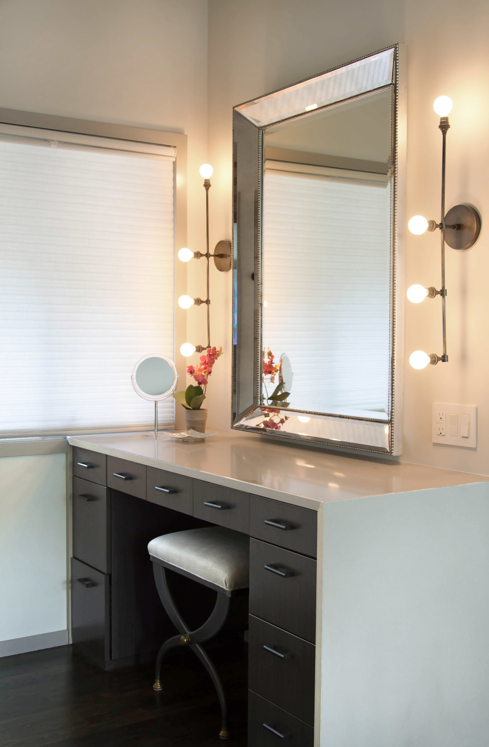 MasterBathroom4-GrayscaleDesign.jpg