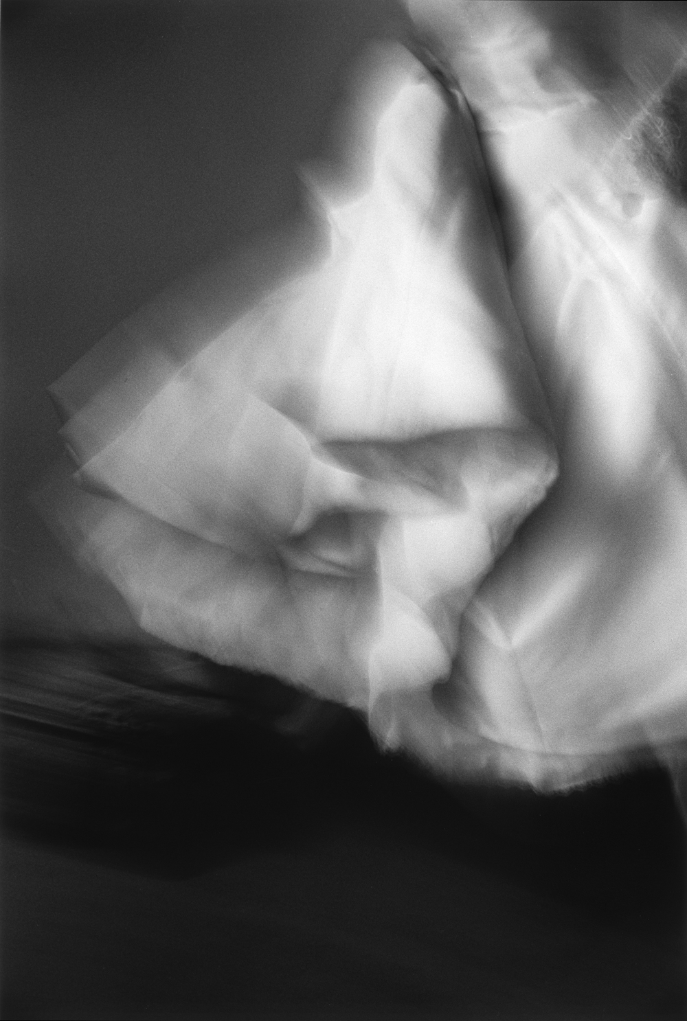 無題 #1039(婚紗系列)Untitled #1039 (Bridal Series),2001