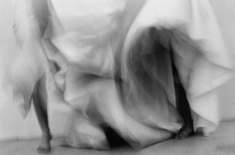 無題 #1019(跳著舞的三個女人: 康康舞,德布斯系列)Untitled #1010 (Three Women Dancing: Can-Can, The Debs Series),2001