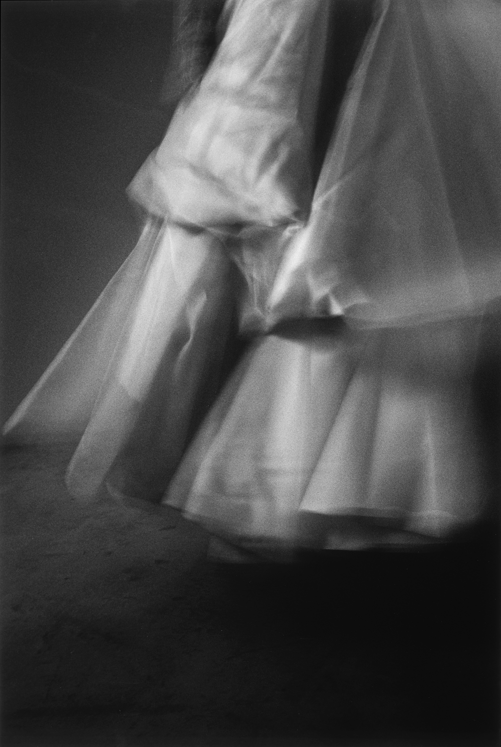 無題 #1038(打摺裙,婚紗系列)Untitled #1038 (Drapery Dress, Bridal Series),2001