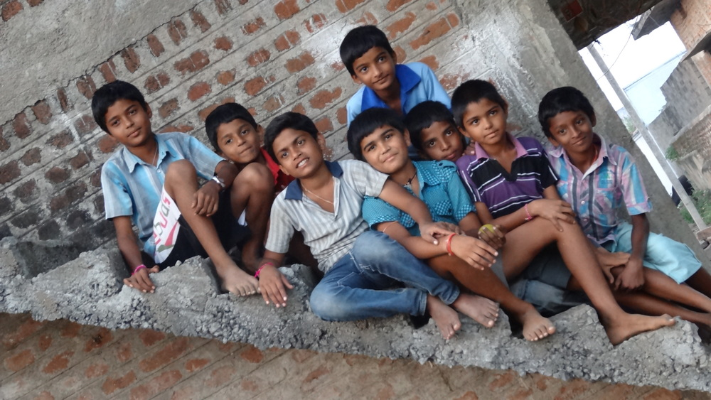 2013-BV-Krishna Puram-Children on steps.jpg