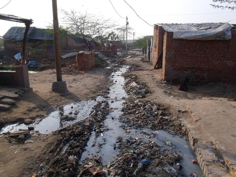 Poor drainage in Agra slum Credit: Sarika Seshadri