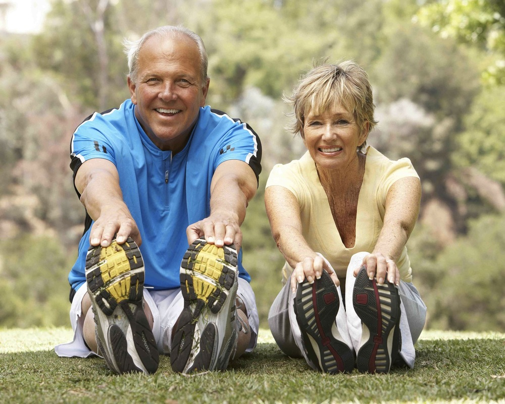 Fotolia smaller elderly couple exercising_19539255_Subscription_XXL.jpg
