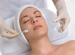 Wrinkle Lift Treatment: This facial is used with a Glycolic Peel that penetrates the skin quickly to tighten, remove dead tissue, resurface and stimulate your collagen.50-60 Minutes. $84.00