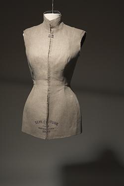 Martin Margiela, tunic, linen, 1997, Belgium, museum purchase. 2008.91.1.