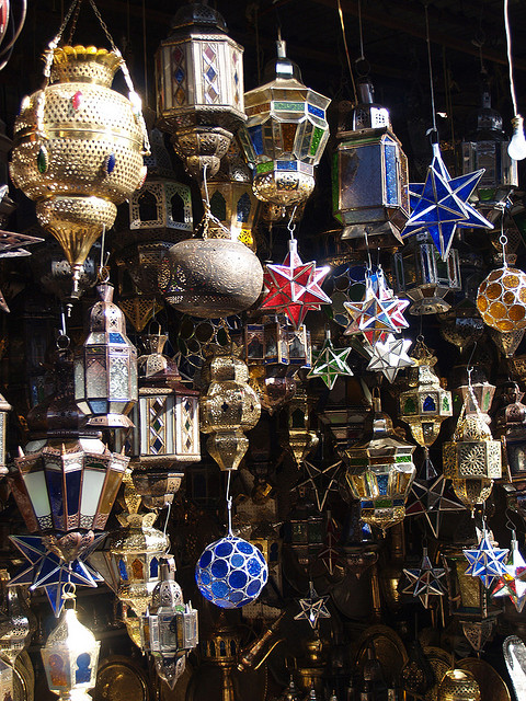 visitheworld :     Hanging lamps in the souq of  Marrakech , Morocco (by  seier ).