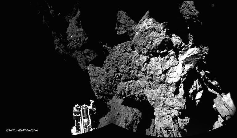 Philae's 1st photo from its new home on comet 67P/Churyumov–Gerasimenko.