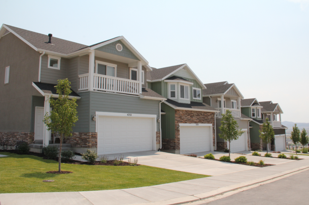 Cresthaven Townhomes