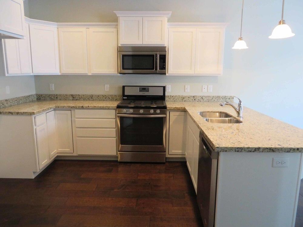 Amara Oaks - East Kitchen 02 - website.jpg
