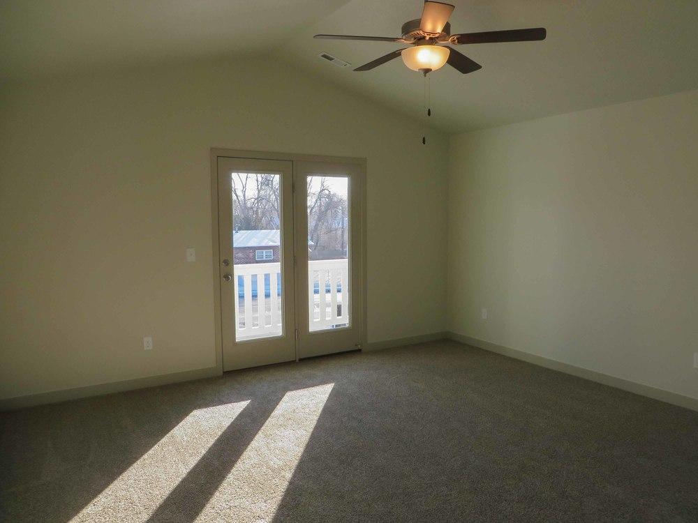 Amara Oaks - West Master Bedroom 01 - website.jpg