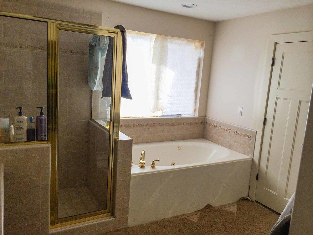 Walker Bathroom - Before 02 - website.jpg