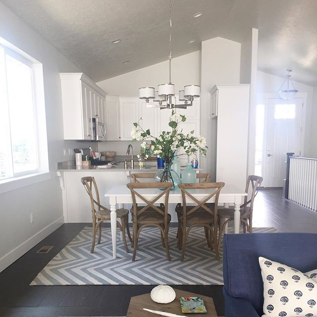 A peak at the dining, kitchen and entry at Bridlewood Court model home install with @houseofjadeinteriors. Model home hours will start next week! Come check us out after the holiday weekend. #bridlewoodcourt