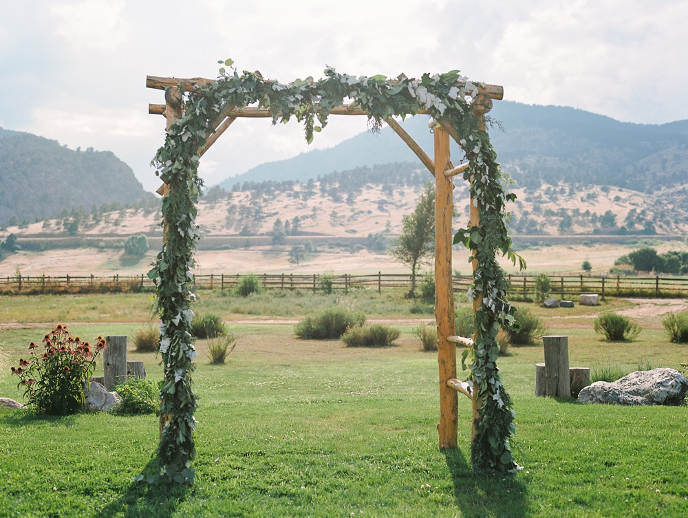 A wedding alter at Sylvan Dale Guest Ranch outside of Loveland, Colorado. Wedding photography by Sonja Salzburg of Sonja K Photography.